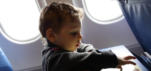 viajar-en-familia-consejos-para-volar-con-ninos-2