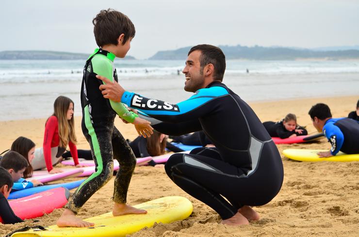 gana-un-curso-de-surf-para-dos-personas-en-la-escuela-cantabra-de-surf-11