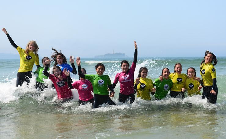 gana-un-curso-de-surf-para-dos-personas-en-la-escuela-cantabra-de-surf-17