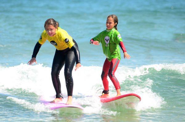 Gana un curso de surf para dos personas en la Escuela Cántabra de Surf