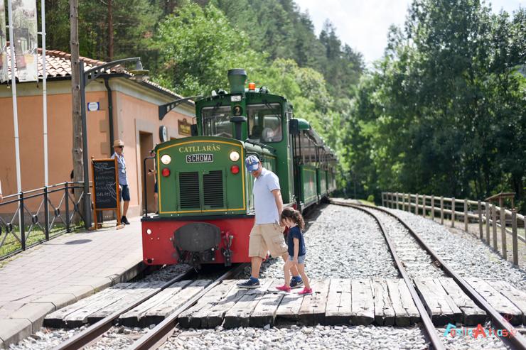 excursion-con-ninos-en-el-tren-del-ciment-FamiliasActivas-60