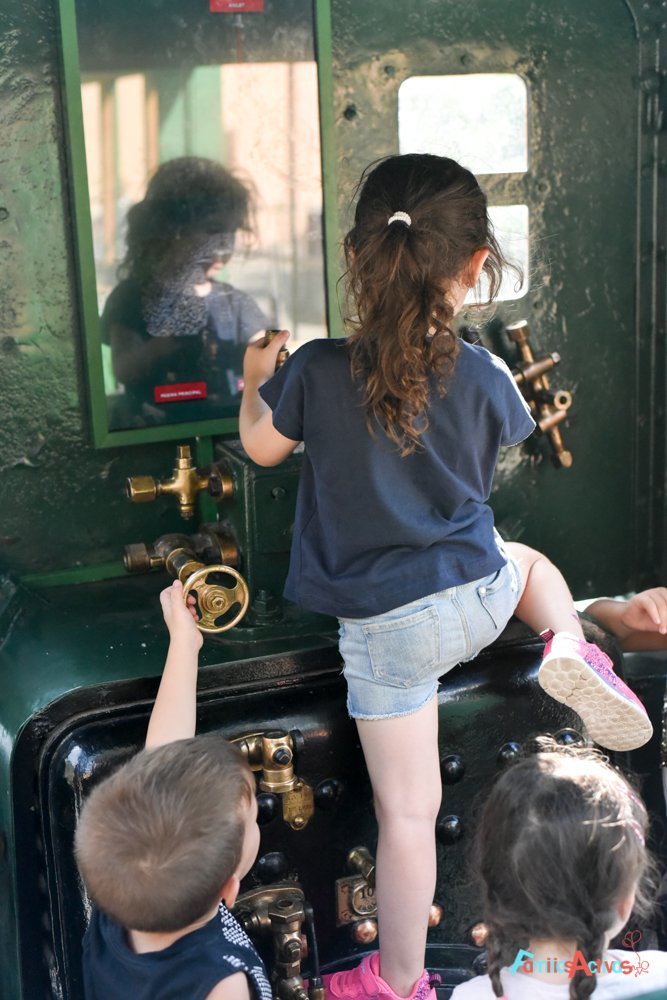 excursion-con-ninos-en-el-tren-del-ciment-FamiliasActivas-90