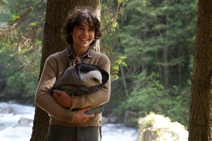 Manuel Camacho interpreta a Lukas, un joven que encontrará a un pequeño polluelo de águila.
