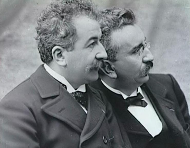 Auguste y Louis Lumiére creadores del cinematógrafo en 1895