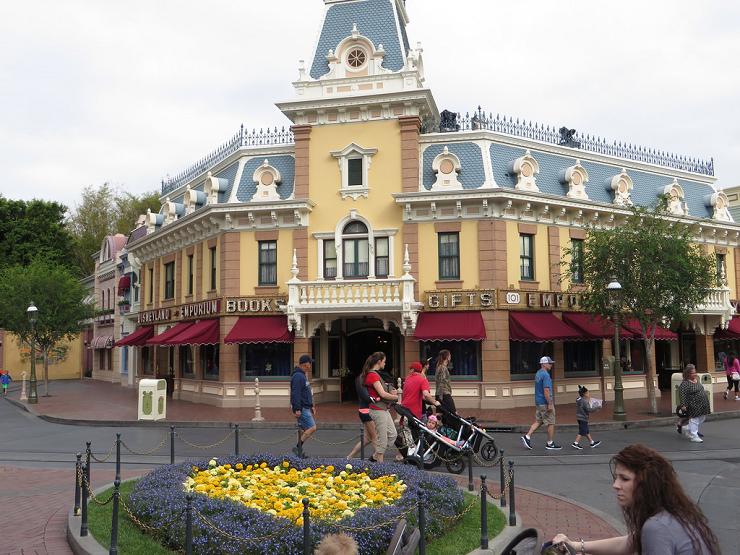 Main Street está jalonada por preciosos edificios victorianos.