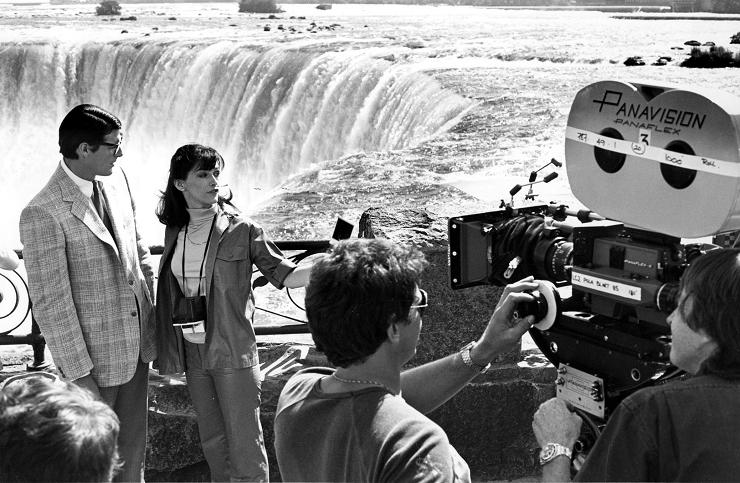 """Christopher Reeve y Margot Kidder al borde de la catarata de la Herradura durante el rodaje de """"Superman II"""""""