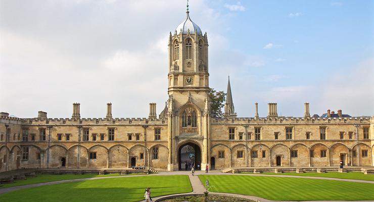 El imponente patio del Christ Church College se ve en la primera película de Harry Potter