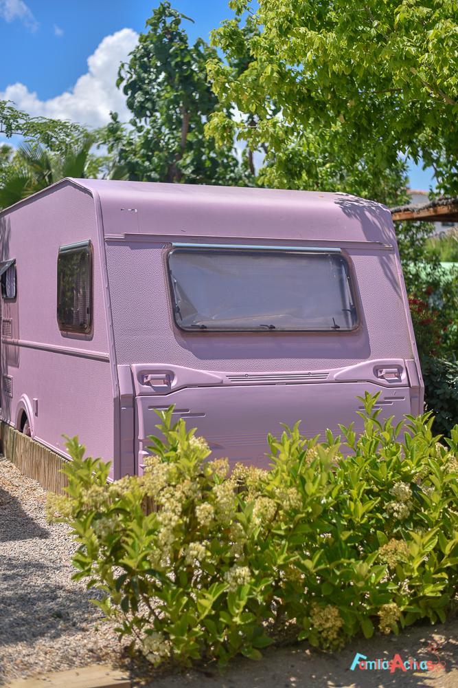 camping-miramar-caravanas-vintage-para-disfrutar-en-familia-14
