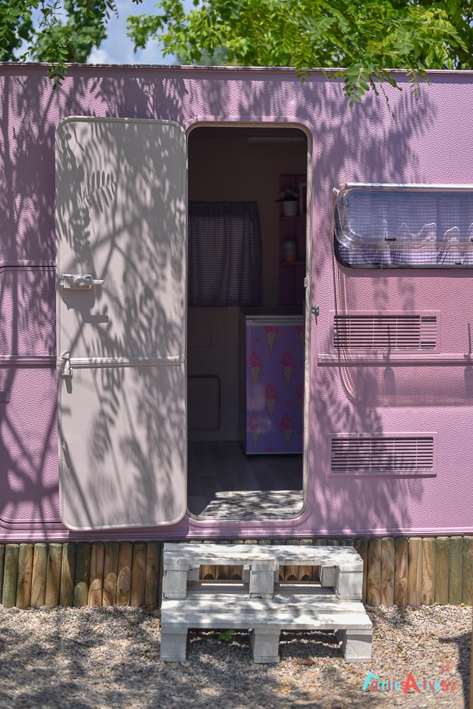 camping-miramar-caravanas-vintage-para-disfrutar-en-familia-2