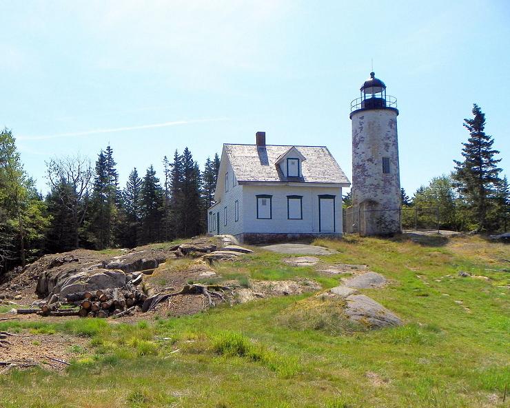 Baker Island Light se encuentra en el Registro Nacional de Lugares Históricos.