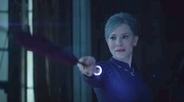 Cate Blanchett interpreta a una hechicera que debe recuperar sus poderes mágicos.