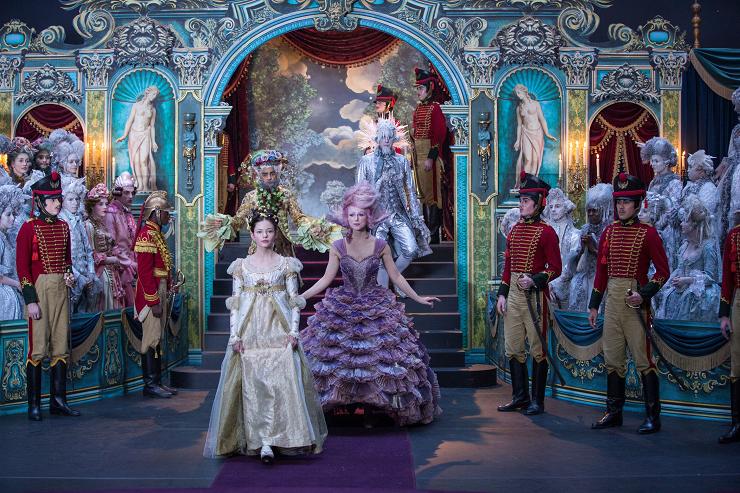 Disney realiza una majestuosa puesta en escena con el fin de recrear este mágico cuento.