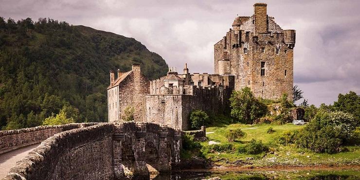 El castillo de Eilean Donan se puede considerar la postal de Escocia.