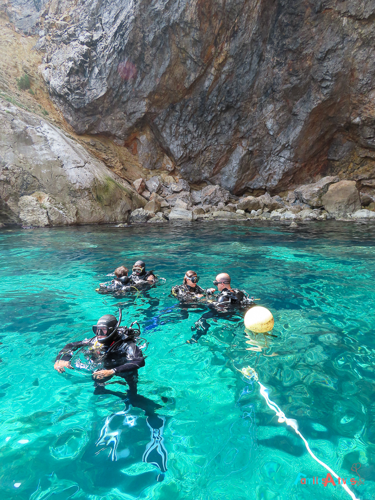 bautizo-de-submarinismo-en-familia-en-lestartit-en-las-islas-medes-19