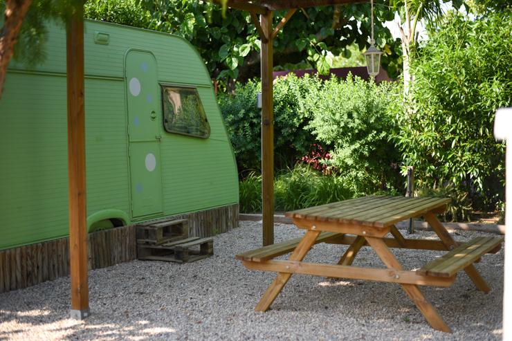 camping-miramar-caravanas-vintage-en-frente-del-mar-9