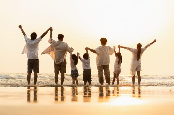 Dos viajes en familia con vuestro logo profesional